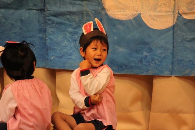 幼稚園の発表会の衣装が忽然と消えた・・本番当日、なくなったはずの衣装を着てる泥子の姿が。園長「…お話してきます!」私「大丈夫です、見ててください」→結果…