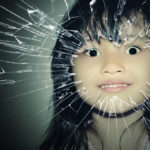 イオンで。幼稚園の娘『私のパパじゃない!来ないでー!』俺「…」警備員「ちょっと来なさい」→結果…